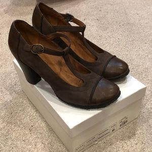 EUC One of Two Leather T-strap Heel